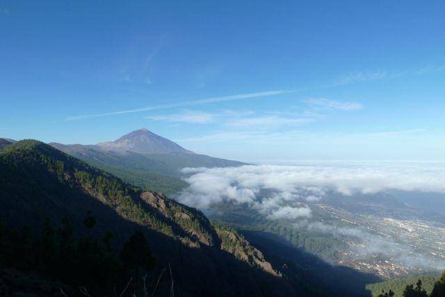 Daar is ie dan, de hoogste berg van Spanje, 3780 meter hoog.
