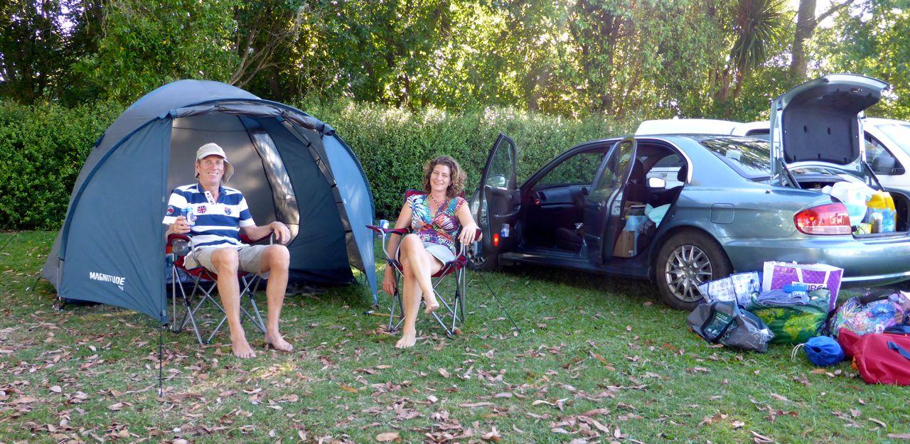 Lekker kamperen met z'n tweeën, effe wennen voor Pieter :)