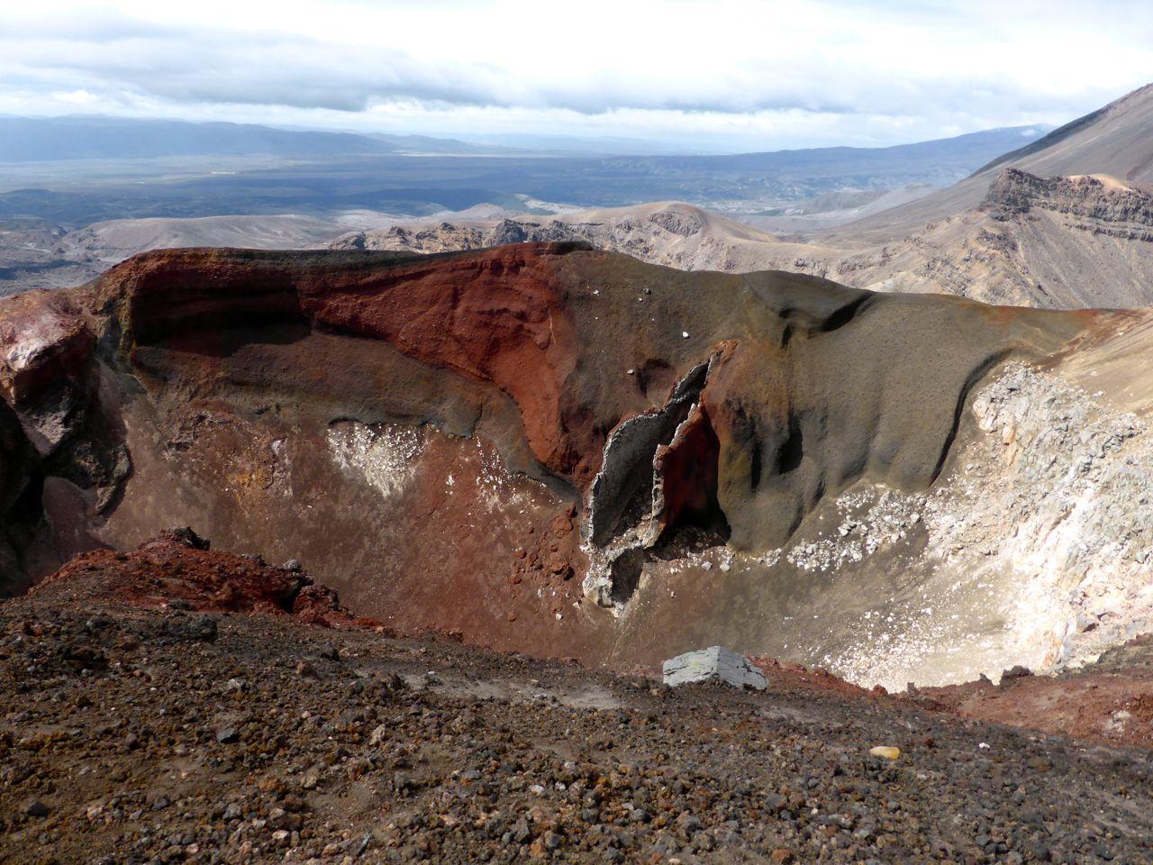 Wat een landschap, nog steeds vulkanisch actief.
