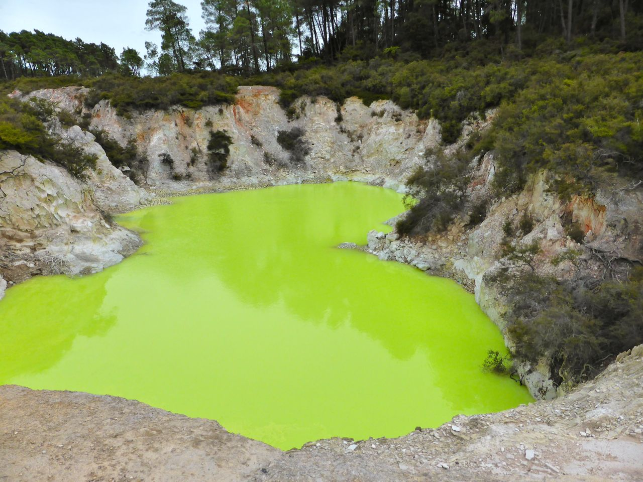 Ander mineraal-meer