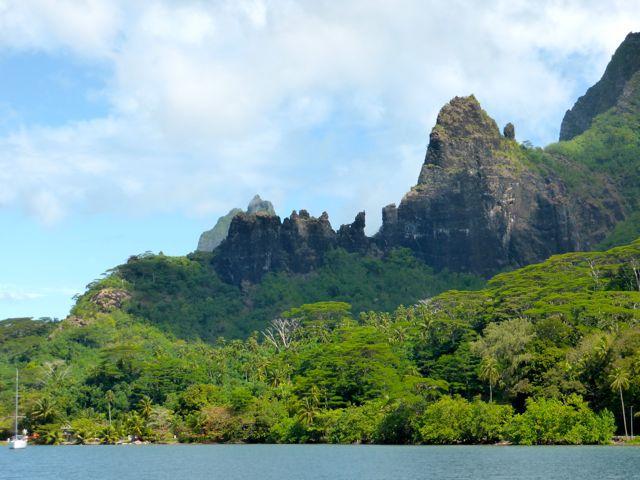 De natuur met zn grillige rotspunten doet denken aan Fatu Hiva