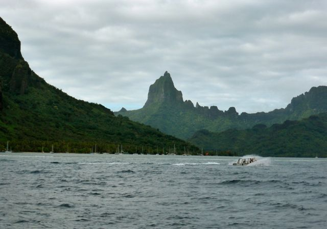 En nog een mooie foto terwijl we wegvaren, terug naar Tahiti.