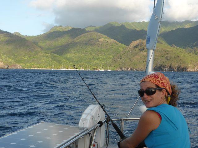 Dag Tahuata bay, wij gaan naar Nuka Hiva, 90 mijl varen. De vislijn gaat dus meteen uit.