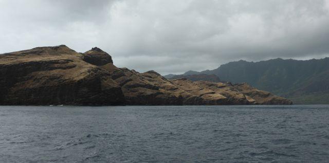 Aankomst bij  Nuka Hiva, het hoofdeiland