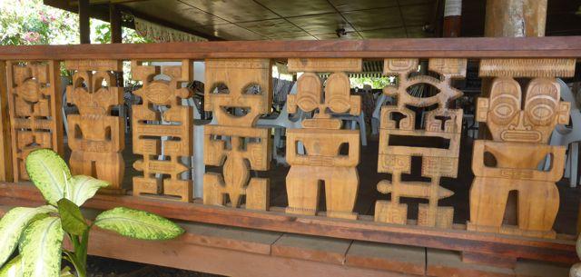Typisch houtsnijwerk voor deze regio
