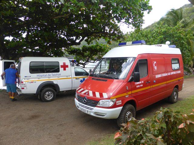 Helaas allen een schelpdier intoxicatie opgelopen. Iedereen naar de zusterpost. 7 van ons werden per ambulance vervoerd naar het ziekenhuis.