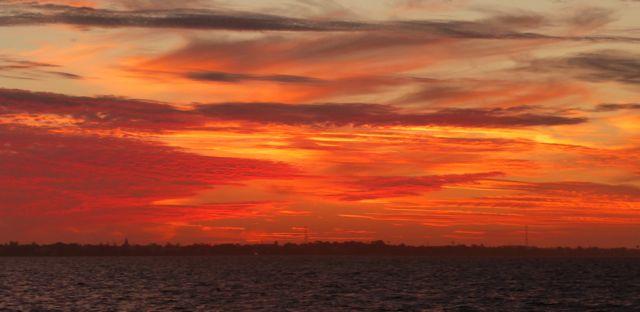 Deze sunset is niet gefotoshopt! De lucht was meer dan prachtig, met zoveel tinten rood