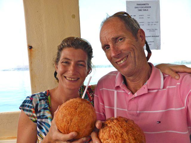 Een ijskoude kokosnoot, de beste dorstlesser!